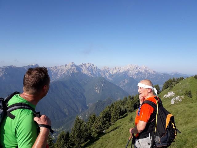Prihod na greben čez lepi vrh-1619m,Odenični hriber-1863m.
