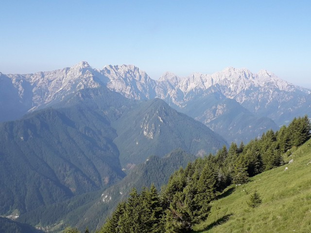 Na poti Gladki vrh-1850m Govca.