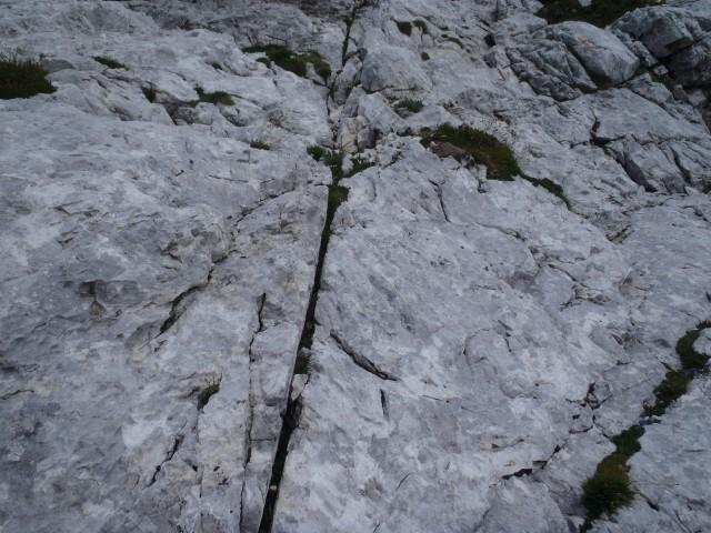 Ne vem, zakaj so prežagali to skalo.