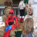 ...Ta Žakljev in Ta Tirjast se slikata s SpiderManom...