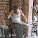 ...izdelovanje steklene vaze na otoku Murano...