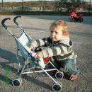 17 mesec Peljem otroka mal na luft :-))))