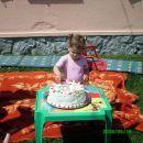 Evo, pa sem ponosna 2-letnica:-)))))))