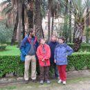 Ena redkih družinskih fotk. Tale je bila posneta v parku v Palermu.