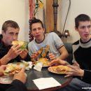 naši so lačni:)